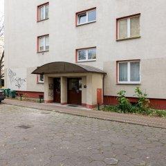 Апартаменты Metro Wilanowska 3-Bedroom Apartment Варшава парковка