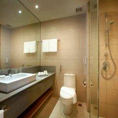 Отель Berjaya Makati Hotel Филиппины, Макати - отзывы, цены и фото номеров - забронировать отель Berjaya Makati Hotel онлайн ванная