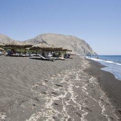 Отель Sea La Vie Beachfront Suites Греция, Остров Санторини - отзывы, цены и фото номеров - забронировать отель Sea La Vie Beachfront Suites онлайн пляж фото 2