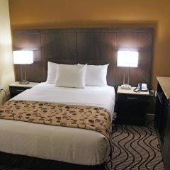Отель La Quinta Inn & Suites Oshawa комната для гостей фото 4