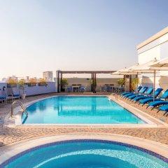 Отель Coral Dubai Deira Hotel ОАЭ, Дубай - 2 отзыва об отеле, цены и фото номеров - забронировать отель Coral Dubai Deira Hotel онлайн бассейн фото 3