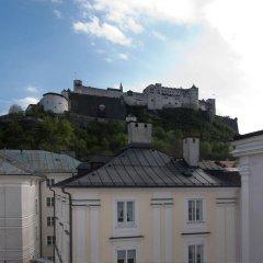 Отель Altstadthotel Weisse Taube Австрия, Зальцбург - отзывы, цены и фото номеров - забронировать отель Altstadthotel Weisse Taube онлайн балкон