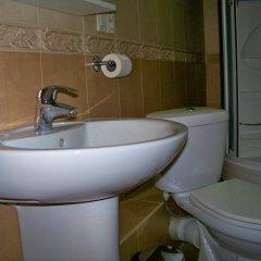 Гостиница Club Hotel Boston в Брянске 2 отзыва об отеле, цены и фото номеров - забронировать гостиницу Club Hotel Boston онлайн Брянск ванная