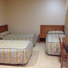 Отель Hostal Aeropuerto комната для гостей фото 3