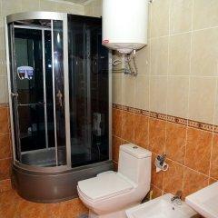 Отель Вилла Отель Бишкек Кыргызстан, Бишкек - отзывы, цены и фото номеров - забронировать отель Вилла Отель Бишкек онлайн ванная