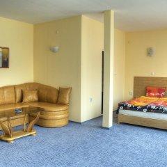 Отель Neon Guest Rooms Шумен комната для гостей фото 2