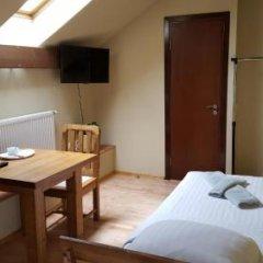 Отель Akmenine Kerpe Литва, Мариямполе - отзывы, цены и фото номеров - забронировать отель Akmenine Kerpe онлайн комната для гостей фото 5