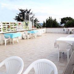 AlaDeniz Hotel Турция, Бююкчекмедже - отзывы, цены и фото номеров - забронировать отель AlaDeniz Hotel онлайн бассейн фото 3