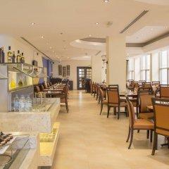 Отель Holiday Inn Abu Dhabi Downtown питание фото 2