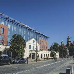 Отель Sheraton Grand Krakow парковка