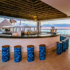 Отель Desire Resort Spa Riviera Maya - Все включено гостиничный бар