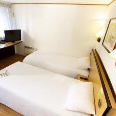 Отель Campanile Rennes Atalante комната для гостей