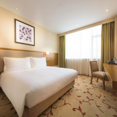 Отель Mercure Shanghai Hongqiao Airport комната для гостей