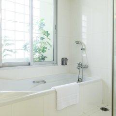 Отель Centre Point Saladaeng Бангкок ванная