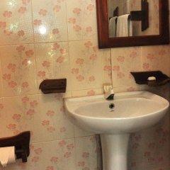 Отель Luthmin River View Hotel Шри-Ланка, Бентота - отзывы, цены и фото номеров - забронировать отель Luthmin River View Hotel онлайн ванная фото 2