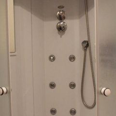 Гостиница Меблированные комнаты Аэрохостел в Москве 5 отзывов об отеле, цены и фото номеров - забронировать гостиницу Меблированные комнаты Аэрохостел онлайн Москва ванная