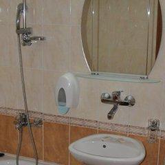 Отель Family Hotel Shoky Болгария, Чепеларе - отзывы, цены и фото номеров - забронировать отель Family Hotel Shoky онлайн ванная