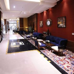Отель Al Hamra Palace By Warwick развлечения