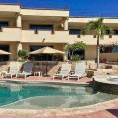 Отель Castillo Blarney Inn Мексика, Педрегал - отзывы, цены и фото номеров - забронировать отель Castillo Blarney Inn онлайн бассейн фото 2