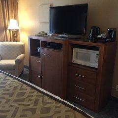 Отель Best Western PLUS Inner Harbour Hotel Канада, Виктория - отзывы, цены и фото номеров - забронировать отель Best Western PLUS Inner Harbour Hotel онлайн удобства в номере фото 2