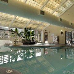 Отель Hilton Washington DC/Rockville Hotel & Executive Meeting Center США, Роквилль - отзывы, цены и фото номеров - забронировать отель Hilton Washington DC/Rockville Hotel & Executive Meeting Center онлайн бассейн