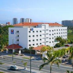 Отель Comfort Inn Puerto Vallarta Пуэрто-Вальярта парковка