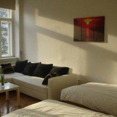 Апартаменты Vienna-apartment-one Halbgasse Вена комната для гостей фото 2