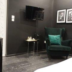 Апартаменты Exclusive Design Studio with Yard Афины развлечения