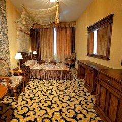 Гостиница Deluxe Hotel Kupava Украина, Львов - 1 отзыв об отеле, цены и фото номеров - забронировать гостиницу Deluxe Hotel Kupava онлайн комната для гостей фото 4