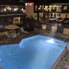 Отель GreenTree Pasadena Inn США, Пасадена - отзывы, цены и фото номеров - забронировать отель GreenTree Pasadena Inn онлайн бассейн