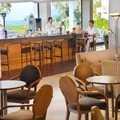 Отель TUI Family Life Kerkyra Golf Греция, Корфу - отзывы, цены и фото номеров - забронировать отель TUI Family Life Kerkyra Golf онлайн гостиничный бар