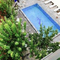 Отель Adams Ереван бассейн