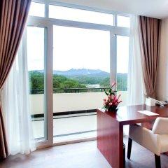Отель Ladalat Hotel Вьетнам, Далат - отзывы, цены и фото номеров - забронировать отель Ladalat Hotel онлайн балкон