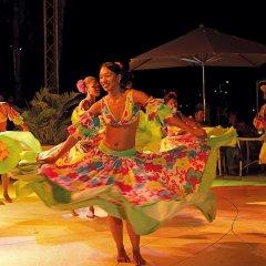 Отель La Pirogue A Sun Resort развлечения