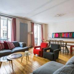 Отель onefinestay - Parc Monceau Apartments Франция, Париж - отзывы, цены и фото номеров - забронировать отель onefinestay - Parc Monceau Apartments онлайн комната для гостей фото 3
