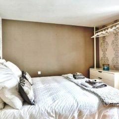 Отель Love Nest in Saint Germain сейф в номере