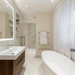 Отель Incredible 6 Storey 4 bed Luxury House in St James Лондон ванная фото 2