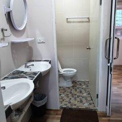 Отель Sairee Center Guesthouse Таиланд, Остров Тау - отзывы, цены и фото номеров - забронировать отель Sairee Center Guesthouse онлайн ванная фото 2