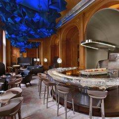 Hotel Plaza Athenee гостиничный бар