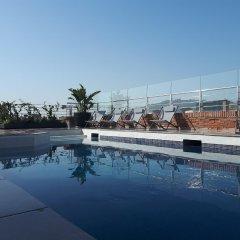Отель Silken Ramblas бассейн