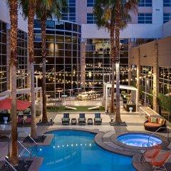 Renaissance Las Vegas Hotel спортивное сооружение