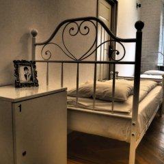 Отель Hostel Chmielna 5 Rooms & Apartments Польша, Варшава - отзывы, цены и фото номеров - забронировать отель Hostel Chmielna 5 Rooms & Apartments онлайн удобства в номере фото 2