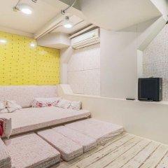 Saladaeng Gallery Hostel By Favstay Бангкок комната для гостей фото 2
