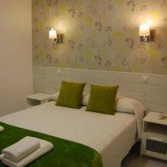 Отель Hostal Atelier Испания, Мадрид - отзывы, цены и фото номеров - забронировать отель Hostal Atelier онлайн комната для гостей фото 2