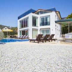 Villa Ata by Akdenizvillam Турция, Калкан - отзывы, цены и фото номеров - забронировать отель Villa Ata by Akdenizvillam онлайн пляж