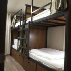 Ploen Bangkok Hostel Khaosan сейф в номере