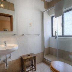 Отель Green Grove Guest House ванная