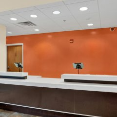 Отель Motel 6 Niagara Falls - New York США, Ниагара-Фолс - отзывы, цены и фото номеров - забронировать отель Motel 6 Niagara Falls - New York онлайн интерьер отеля фото 3