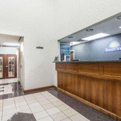 Отель Days Inn & Suites by Wyndham Huntsville США, Хантсвил - отзывы, цены и фото номеров - забронировать отель Days Inn & Suites by Wyndham Huntsville онлайн интерьер отеля