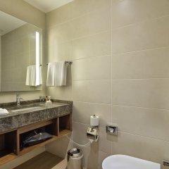 Hilton Garden Inn Izmir Bayrakli Турция, Измир - отзывы, цены и фото номеров - забронировать отель Hilton Garden Inn Izmir Bayrakli онлайн ванная фото 2